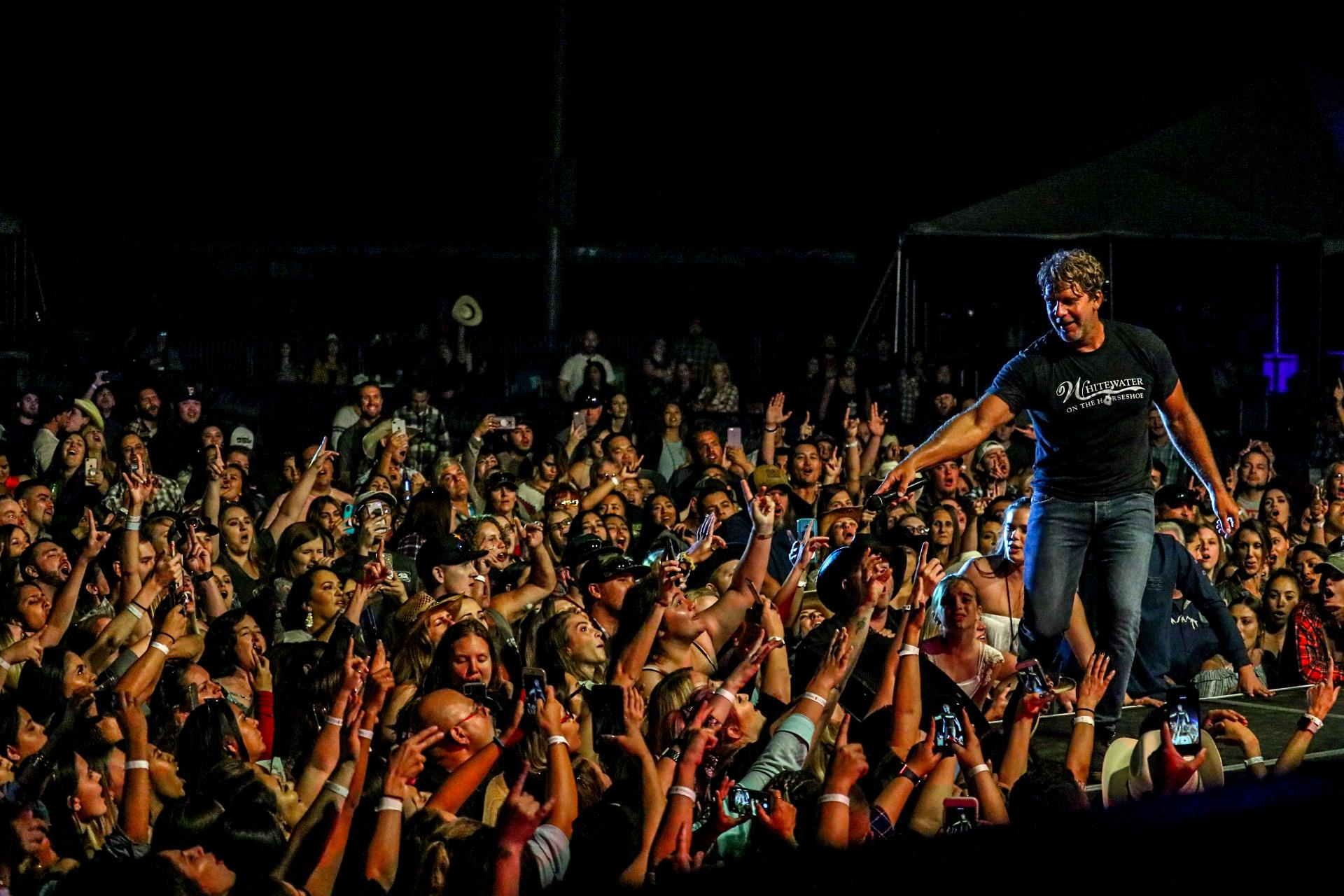 Billy Currington, Boots in the Park